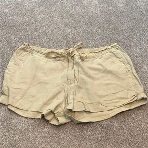 Old navy loose light cute cargo shorts